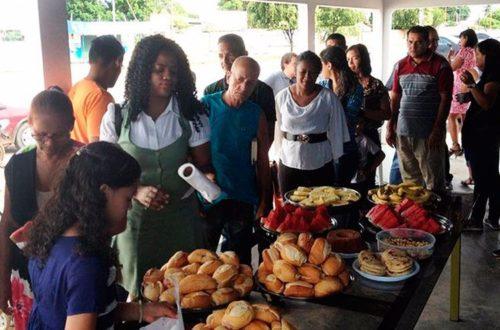 desayuno de los días 29 en parroquia san gabriel